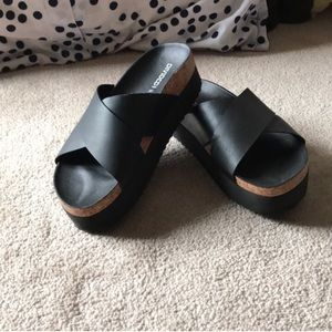 H&M Platform black leather sandals size 7